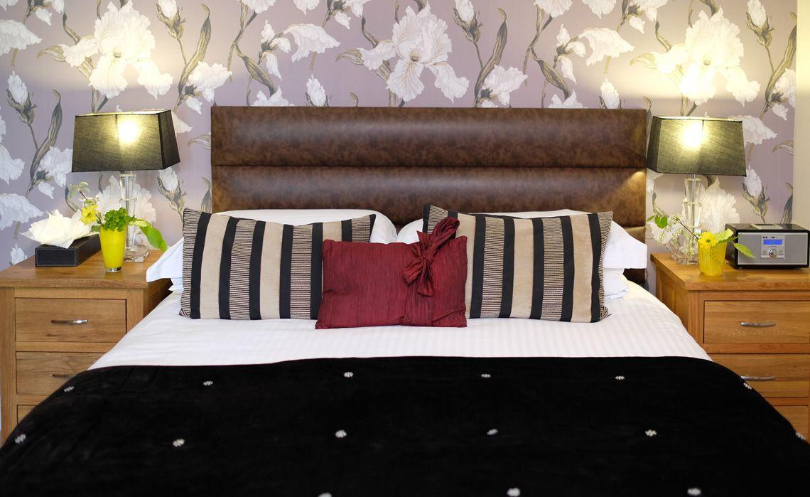 room 4 bed